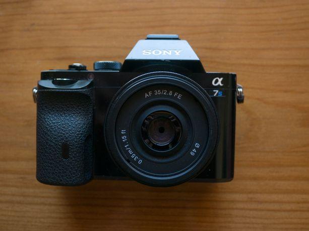 Sony alpha a7s - corpo com lente vintage