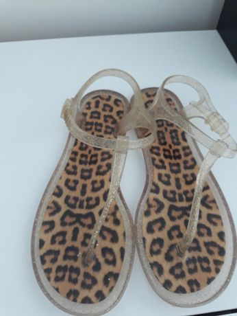 Piękne sandałki damskie z eksluzywnej firmy Denii Cler .