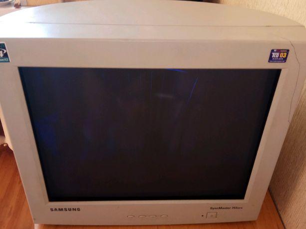 Монитор Samsung SyncMaster 755