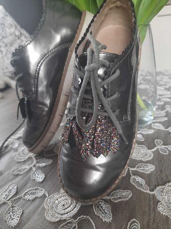 Buty mokasyny lakierki dla dziewczynki rozmiar 33