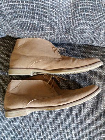 Jasnobrązowe buty  44