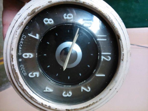 Часы на Волгу газ 21