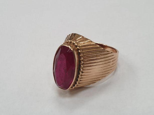Radziecki złoty pierścionek damski/ czerwone oczko/ 585/ 7.9 gram/ R13