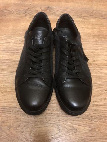 Продам кроссовки мужские, кожаные
