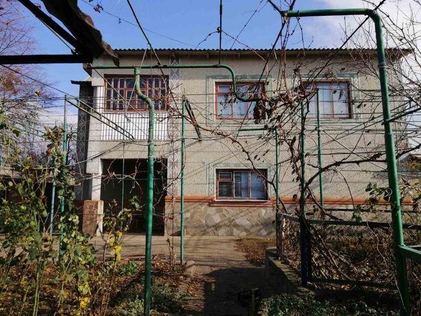 Продається двоповерховий будинок