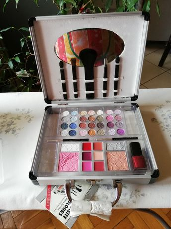 Kosmetyki w walizce