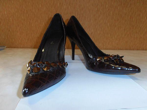 Женские лаковые туфли.