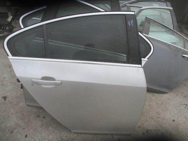 Opel Insignia A Drzwi prawe tylne prawy tył Z176