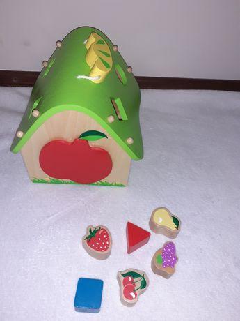 sorter dla dzieci domek z klockami owocki