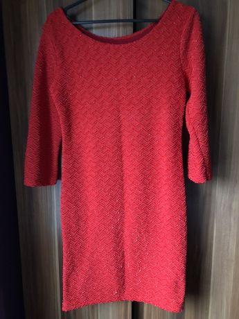 Czerwona swiąteczna sukienka