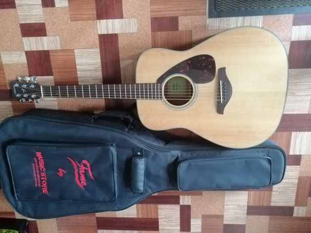 Yamaha FG-800 M  - gitara akustyczna z pokrowcem
