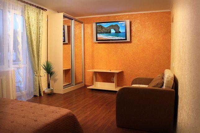 Светлая 1-к квартира на ул КОМАРОВА , с евроремонтом.