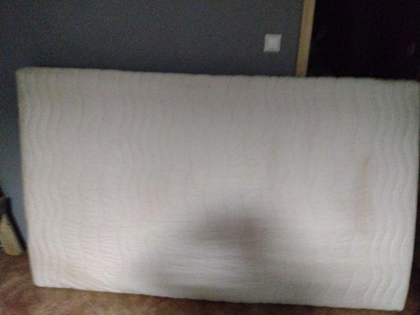Materac biały ,wygodny
