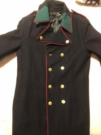 Capote (casacão) Colégio Militar