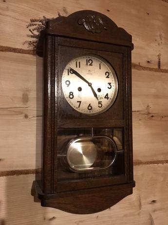 Stylowy zegar ścienny Junghans