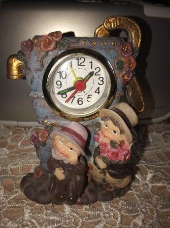 Zegar stojący budzik
