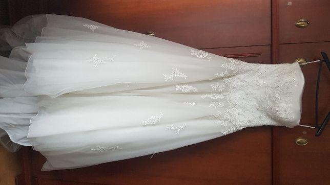 Suknia ślubna 38 kolor IVORY