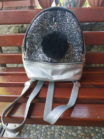 Дитячий рюкзак сріблястого кольору