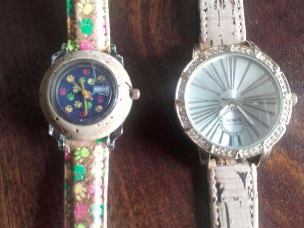 Relógios em cortiça