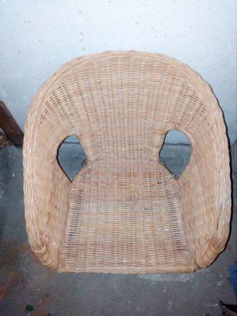 wiklinowy fotelik dziecięcy