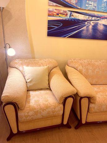 Комплект мягкой мебели диван и кресло производитель Италия