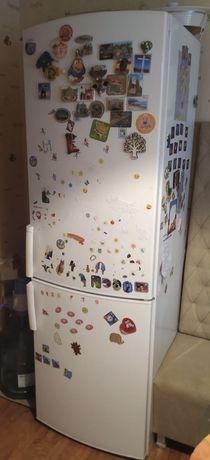 Холодильник домашний Whirlpool, б/у