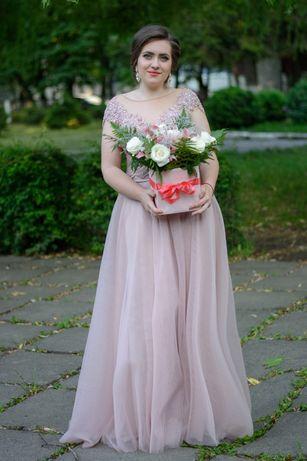 Продам выпускное платье, нежно розового цвета, размер L