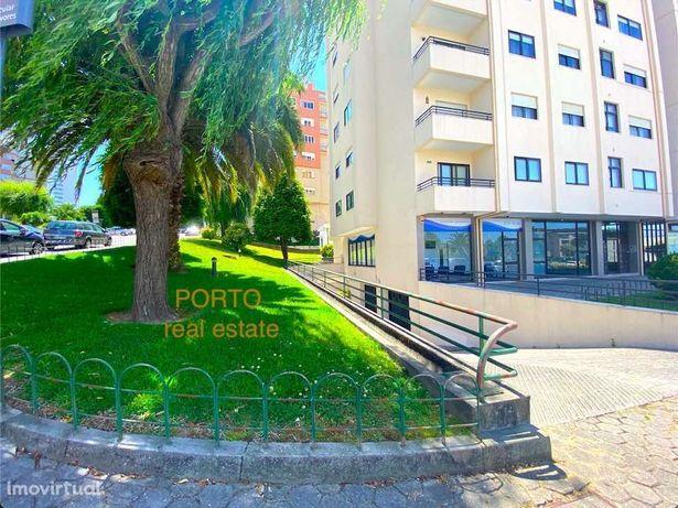 Lugar de garagem 14 m2 Rua Particular às Árvores - Sta Marinha