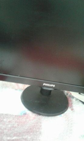 Монитор   PHILIPS. Установка черного цвета на кругловой подставке в ра