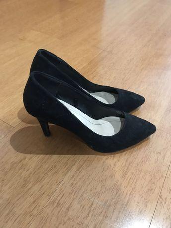 Vendo Sapatos Pretos Novos