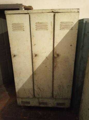 Шкафи металічний