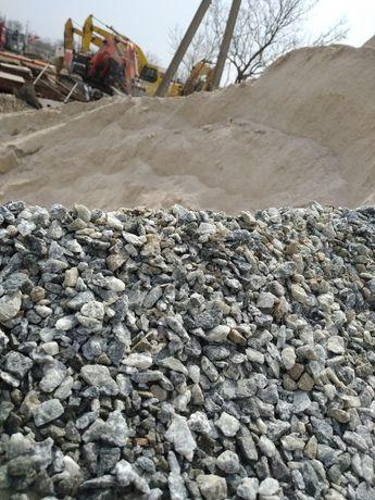 Щебень,песок,отсев,керамзит,чернозем,глина,вторичный щебень.Зил,Камаз.