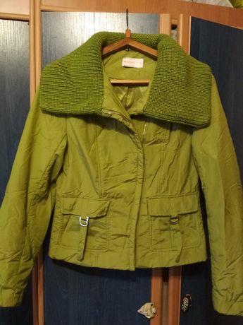 Продается короткая курточка