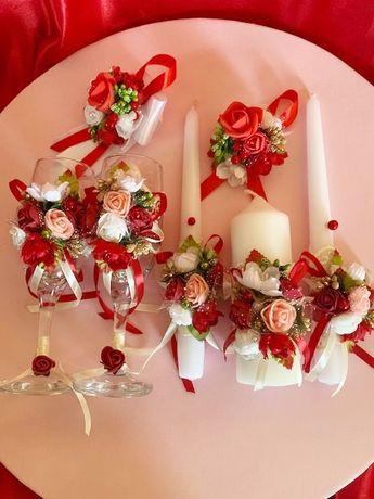 Свадебные бокалы для шампанского +Свадебные свечи +2 бутоньерки .Выбор