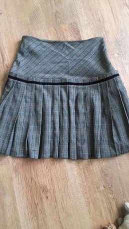 Sprzedam rozkloszowana spódnicę w kratkę marki Velvet, rozmiar 36