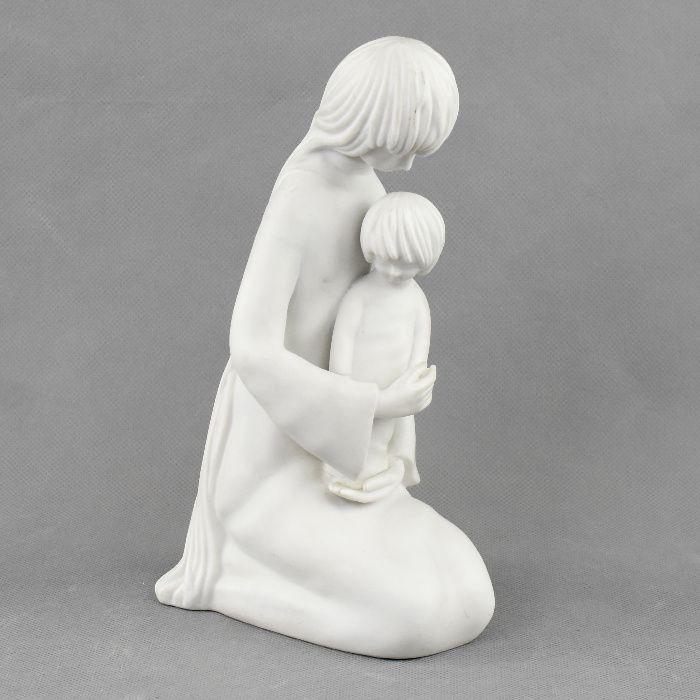 """Figura """"Ternura"""" em Biscuit Vista Alegre, alusiva à maternidade"""