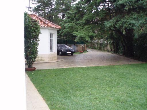 Moradia T5 a imitar século XIX com amplo jardim - Cascais - Alcabid...