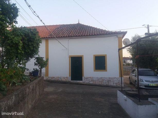 Moradia com terreno em Aldeia Alentejana
