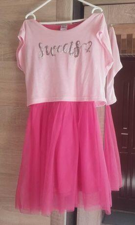 Sprzedam sukienke dziewczeca rozmiar 134-140 wiek8-10 lat