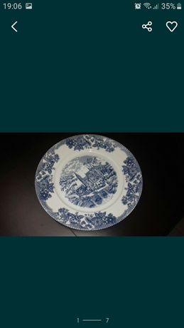 Porcelanas da Batalha Serviço de Jantar composto por 70 peças