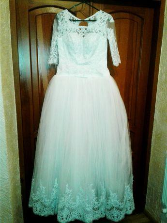 Продам або обміняю свою весільну пишну сукню