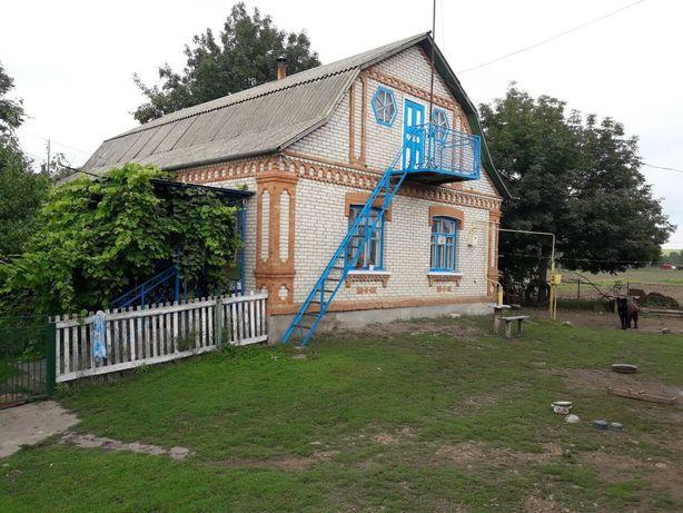Продам будинок з присадибними ділянками