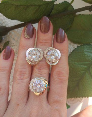 Серьги и кольцо серебро 925, золото 375