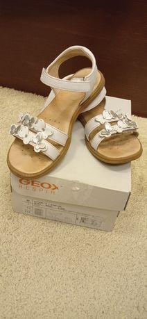 Сандалі Geox р. 32 шкіряні сандалии босоножки