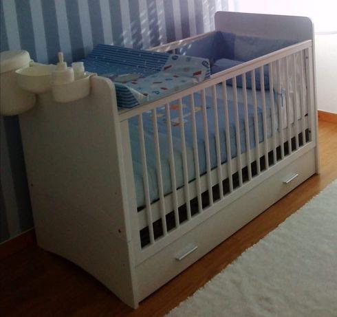 Cama de bebé conversível