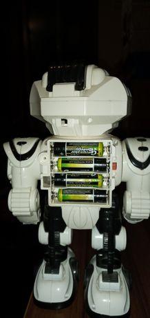 Продам робот на батарейках