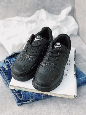 Кроссовки чисто черные Найк Аир Форс Nike Air Force Black Скидка 30%