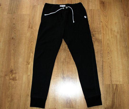 # Reserved # Spodnie Dziewczęce Rozm. 140 cm