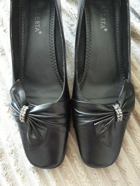 Туфли кожаные, в хорошем состоянии