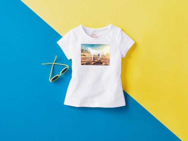 Koszulka, bluzeczka t-shirt biała z motywem konia 98/104